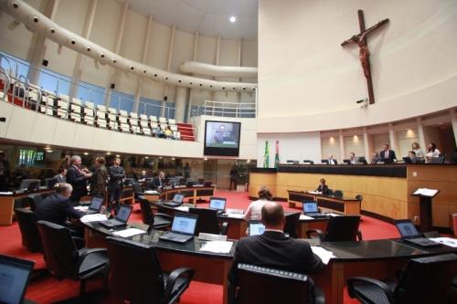 Alesc aprova projeto de lei do novo salário mínimo regional para Santa Catarina