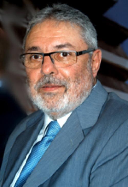 Paulo França assume duas secretarias