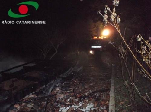 Mulher morre carbonizada durante incêndio em residência no interior de Ibicaré