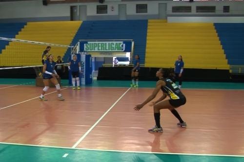 Equipe feminina de vôlei de Rio do Sul quer conquistar o tetra