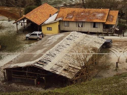 Propriedades rurais ficaram destruídas