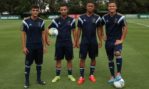 5336d82b16b Palmeiras renova contrato de lateral que se destacou na Copinha