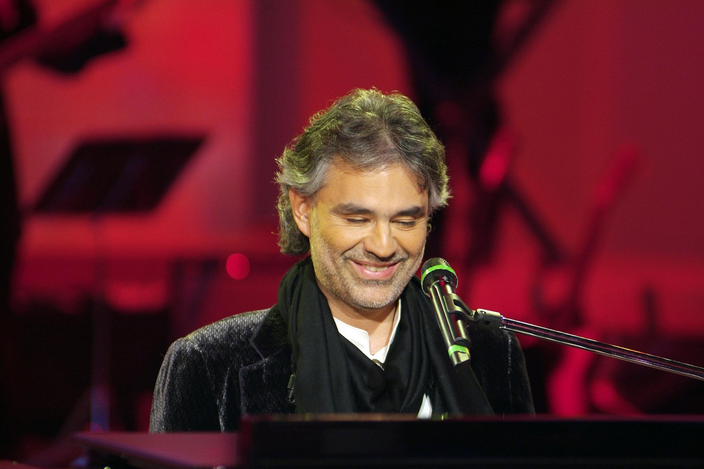 O tenor italiano, um popstar da música erudita/popular mundial – Foto: www.fanpop.com.br