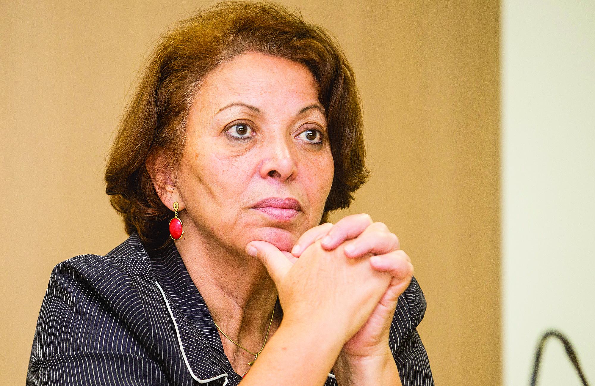 Ideli Salvatti recebeu multa em carreata no valor de R$ 5,8 mil.