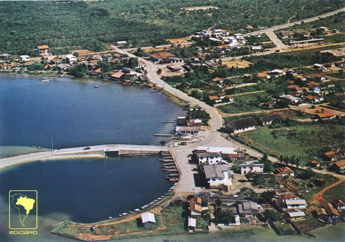 Imagem de cartão postal, do fim da década de 1970: ainda um vilarejo – Foto: Postais Edicard/Divulgação