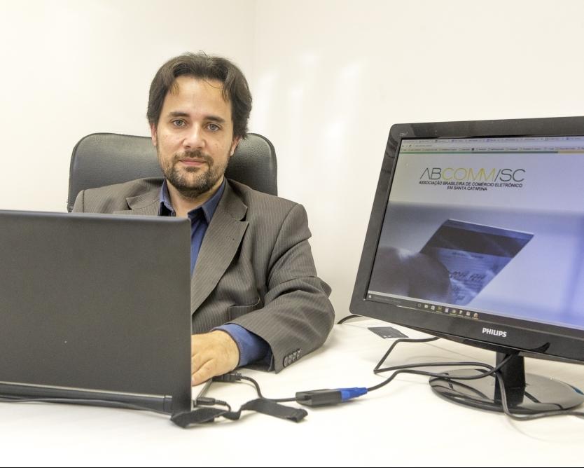 516dbd8aeb O empresário Cristiano Chaussard faz parte do grupo de lideranças que  discute a autorregulação do e