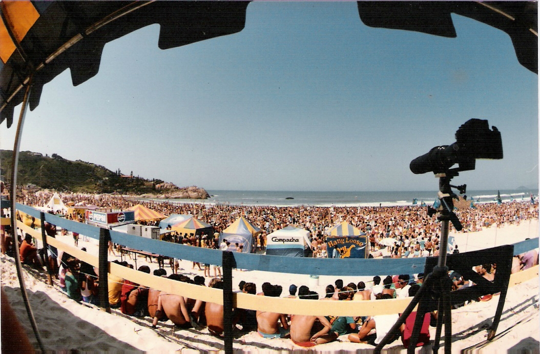 Evento reuniu mais de 15 mil pessoas na Joaquina em 1986 - Arquivo/Flávio Boabaid/ND