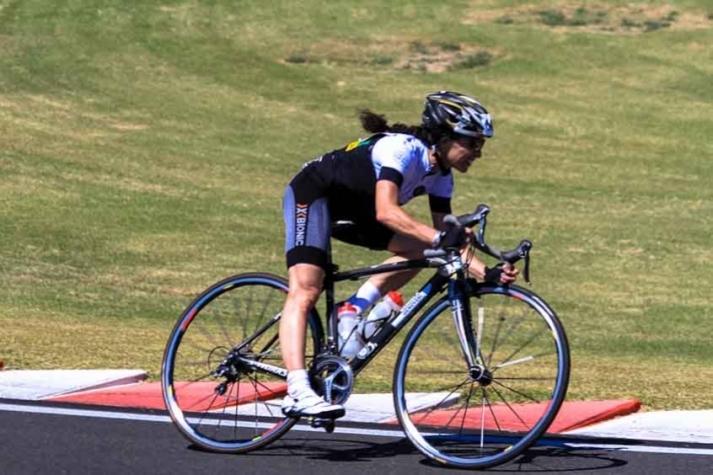 Ciclista Dani Genovesi é especialista em provas de longa duração (Foto:Arquivo Pessoal) -