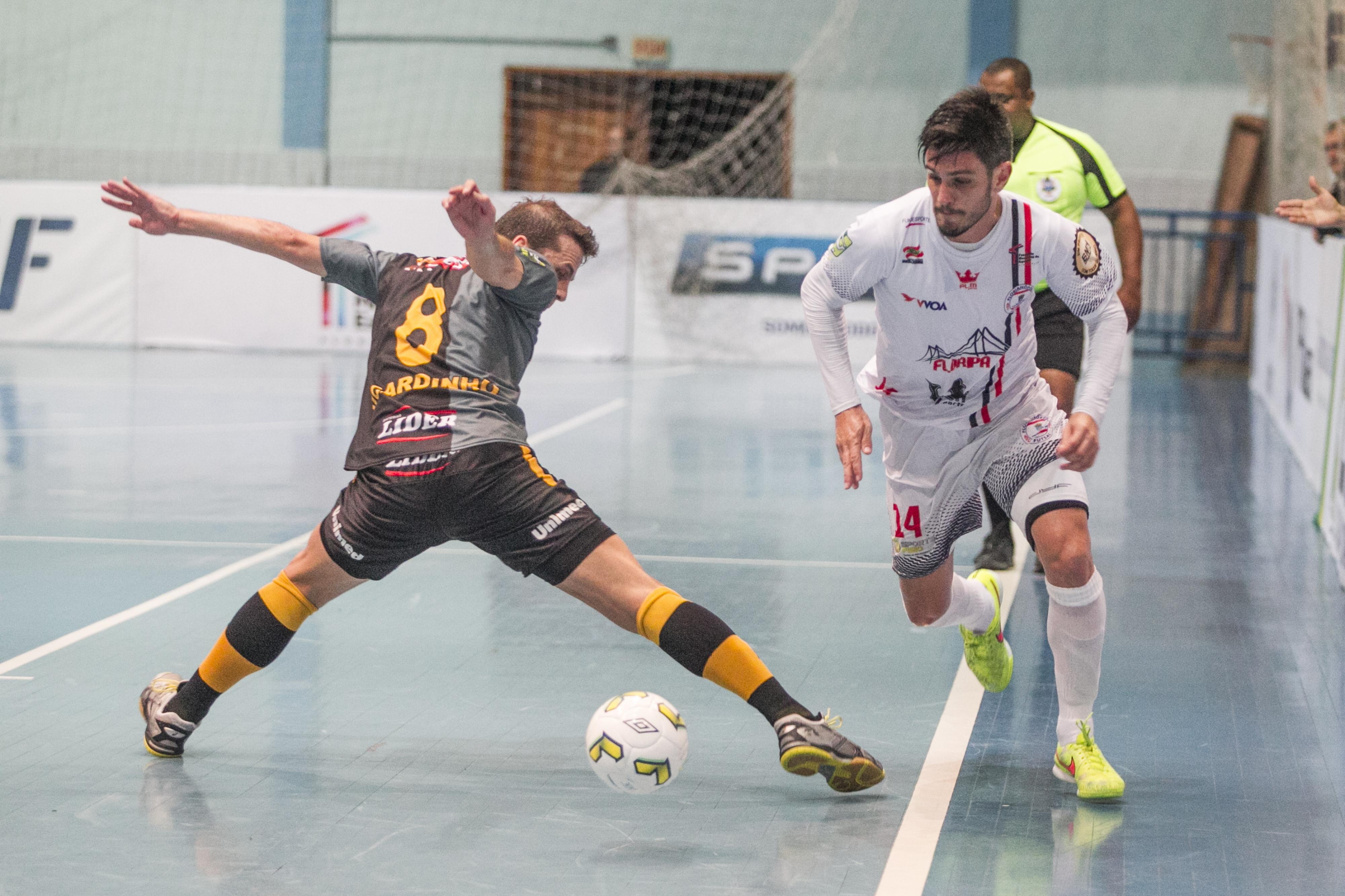 Vini é o artilheiro do Floripa no Estadual, com dez gols - Marco Santiago/ND