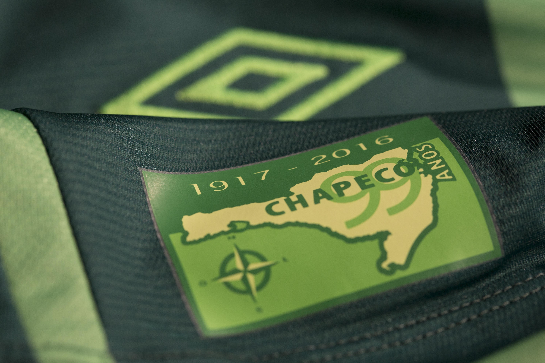 a49ef555f5239 Chapecoense estreia terceira camisa contra o Independiente, pela ...