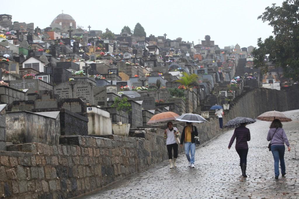 Cemitérios públicos de Joinville estão perto da capacidade máxima – Foto: Carlos Junior/Arquivo/ND