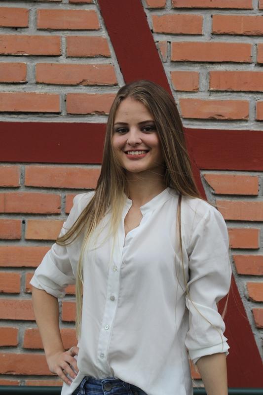 Andryelle Claudia de Oliveira, 18 anos, estudante de engenharia química - Fabrício Porto/ND