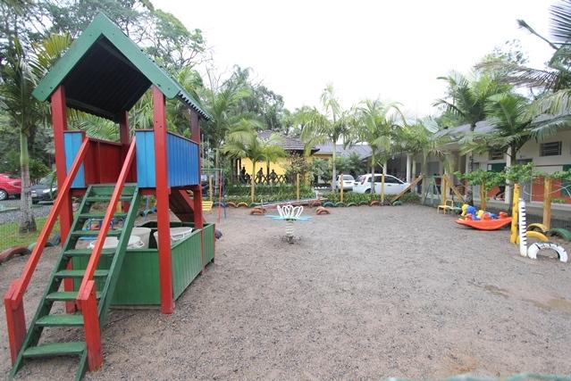 Escola Municipal Germano Lenschow fica localizada, na altura do km 21 da SC-418, em Pirabeiraba - Fabrício Porto/ND