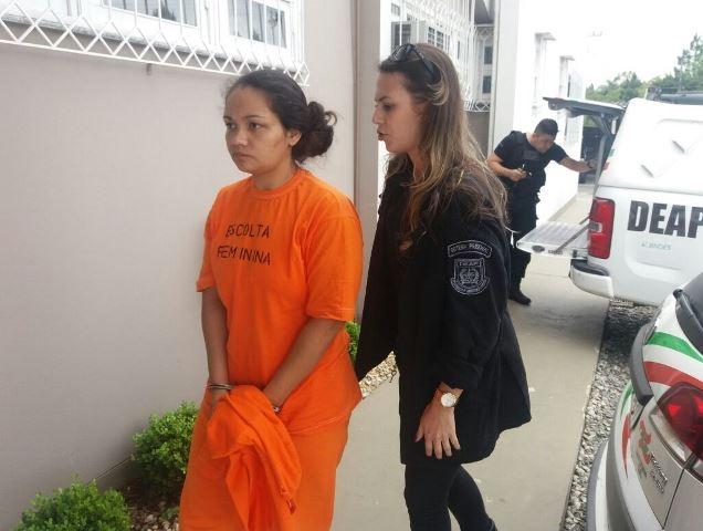 Rozemére Cardozo, mãe de Laura, é acusada de tortura contra a menina - Adrieli Evarini/ND