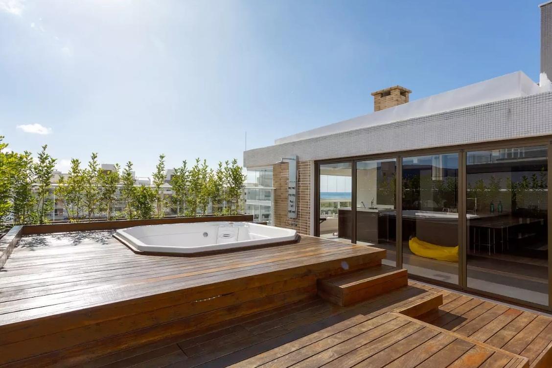 Cobertura no Campeche também está disponível no Airbnb - Divulgação/ND