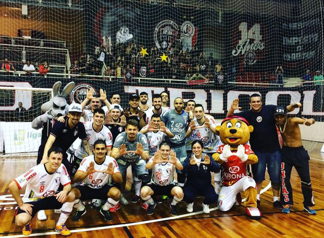JEC/Krona se classificou às quartas da Liga Nacional de Futsal - Juliano Schmidt/JEC/Krona/Divulgação/ND