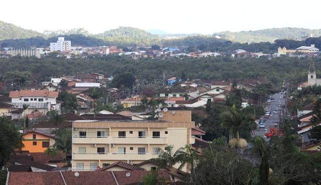 Ponte que ligará os bairros Adhemar Garcia e Boa Vista tem por objetivo desafogar o trânsito na região Leste de Joinville - Carlos Junior/arquivo/ND