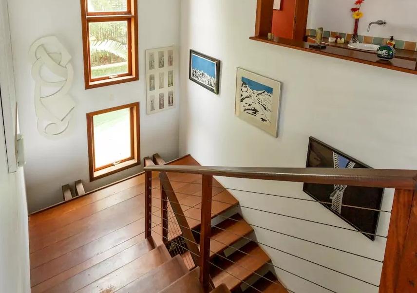 Casa da galerista de arte Myrine Vlavianos em Florianópolis também está disponível no Airbnb - Divulgação/ND