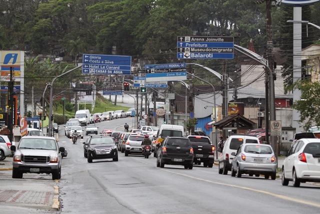 Novo prefeito pretende duplicar a rua Ottokar Doerffel – Foto: Luciano Moraes/Arquivo/ND