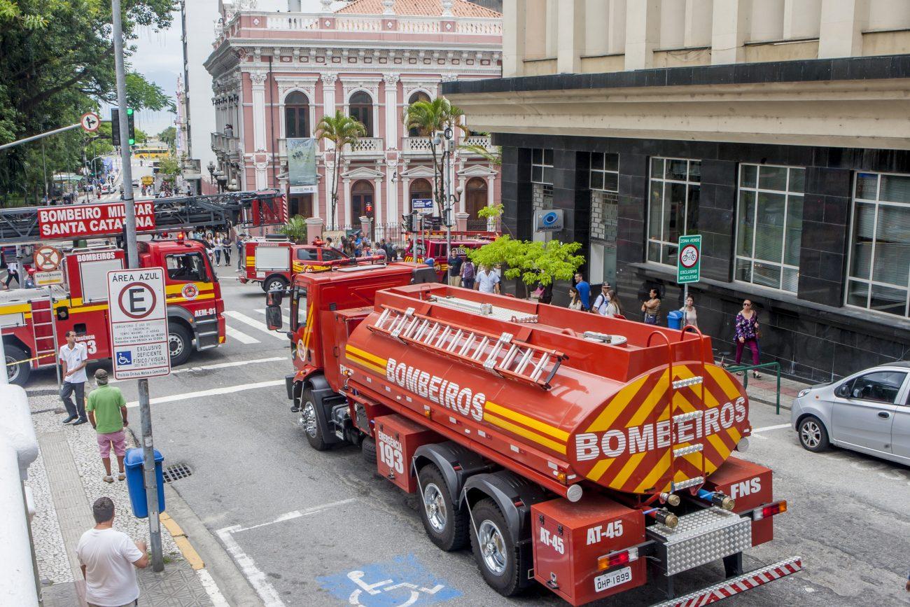 Simulação chamou atenção no Centro de Florianópolis - Flávio Tin/ND