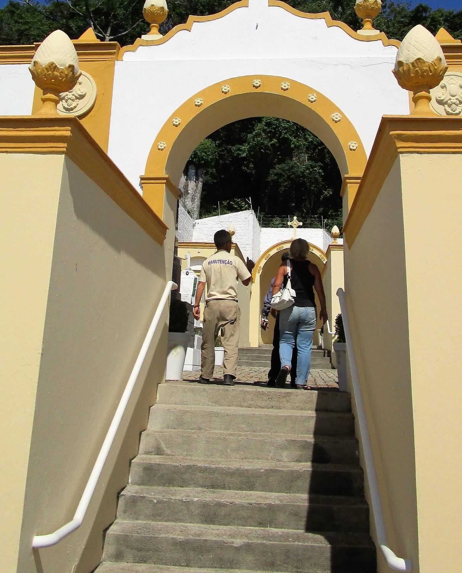Portão de acesso: para evitar depredações, visitas são monitoradas - Carlos Damião
