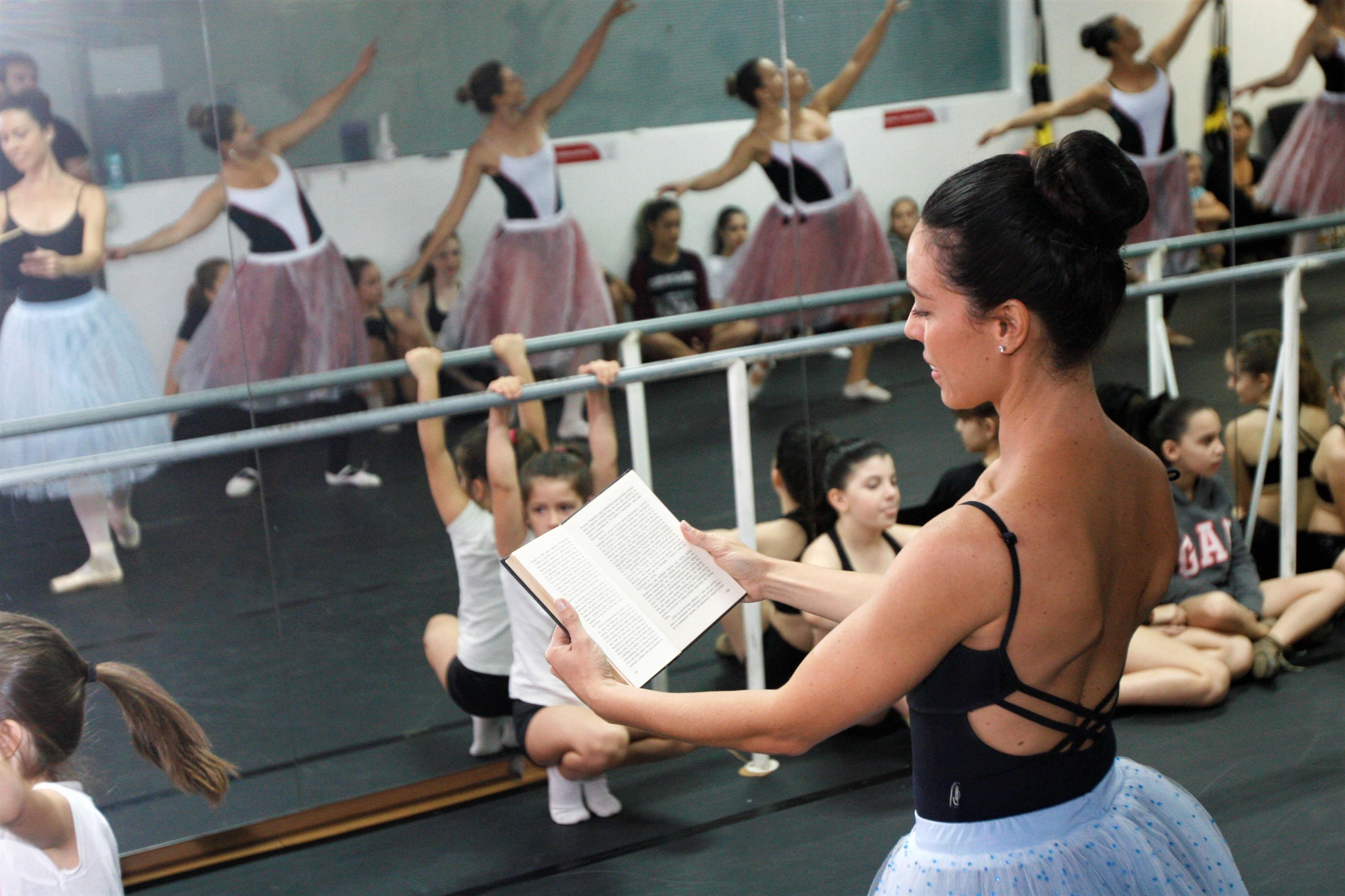 Espetáculo de dança a Bela e a Fera - Divulgação/ND