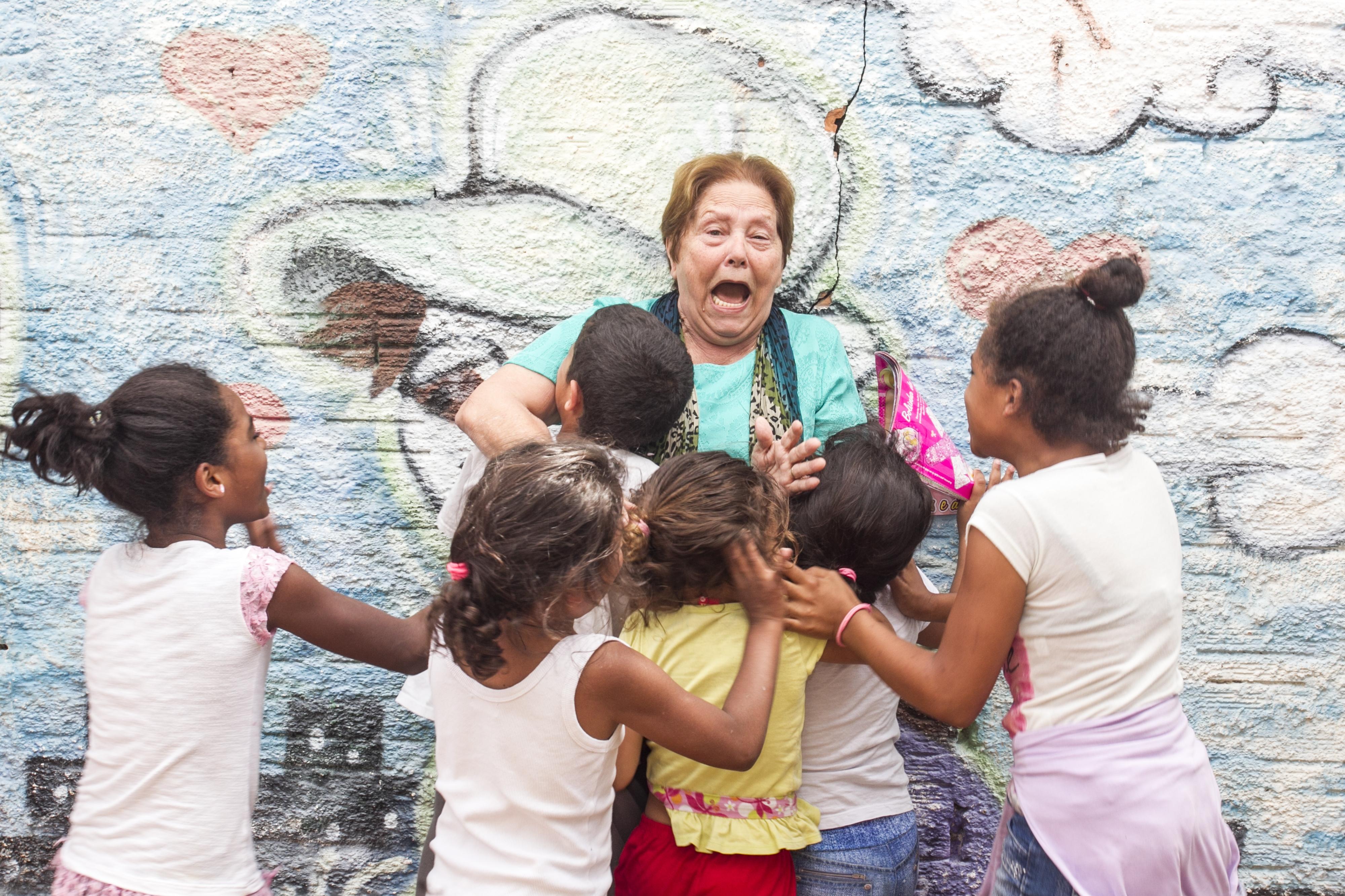 Tia Teca trabalha para dar um futuro melhor às crianças - Marco Santiago/ND