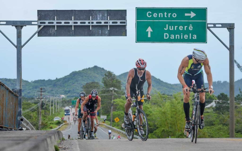 Prova em Florianópolis deve reunir 1500 triatletas de todo o país - Maivan Fernández/Divulgação