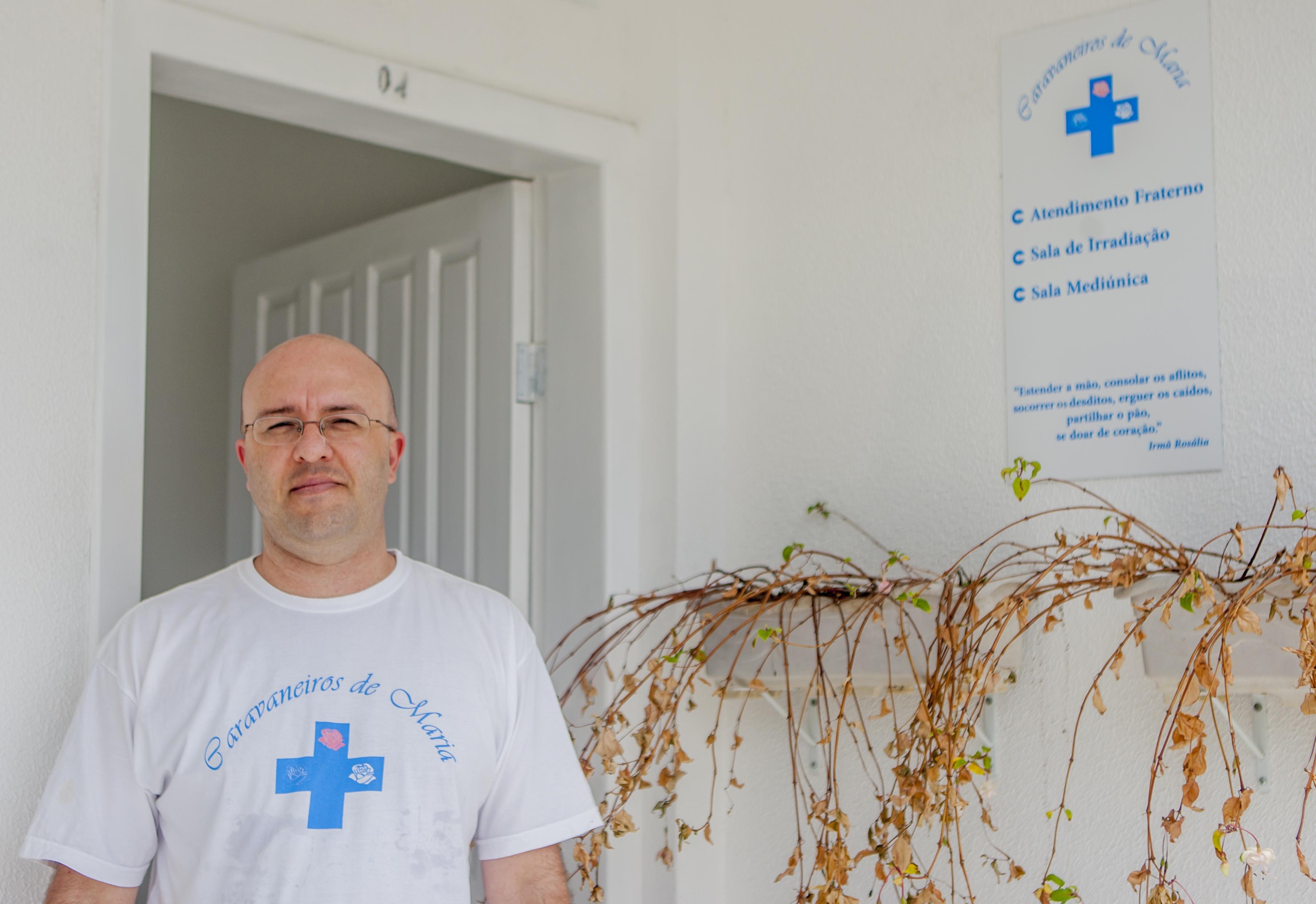 Augusto faz questão de ajudar aqueles que passam os dias nas ruas - Flávio Tin/ND
