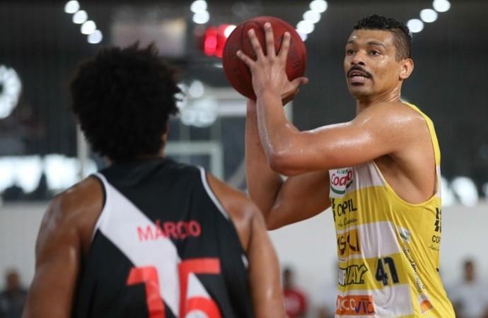 André Bambu retorna ao Basquete de Joinville para a Liga Ouro - Luis Pires/LNB