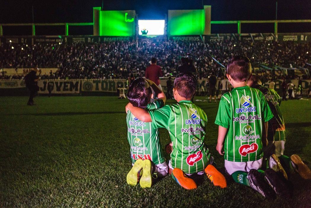 Homenagem às vítimas na Arena Condá, em Chapecó - Daniel Queiroz/ND