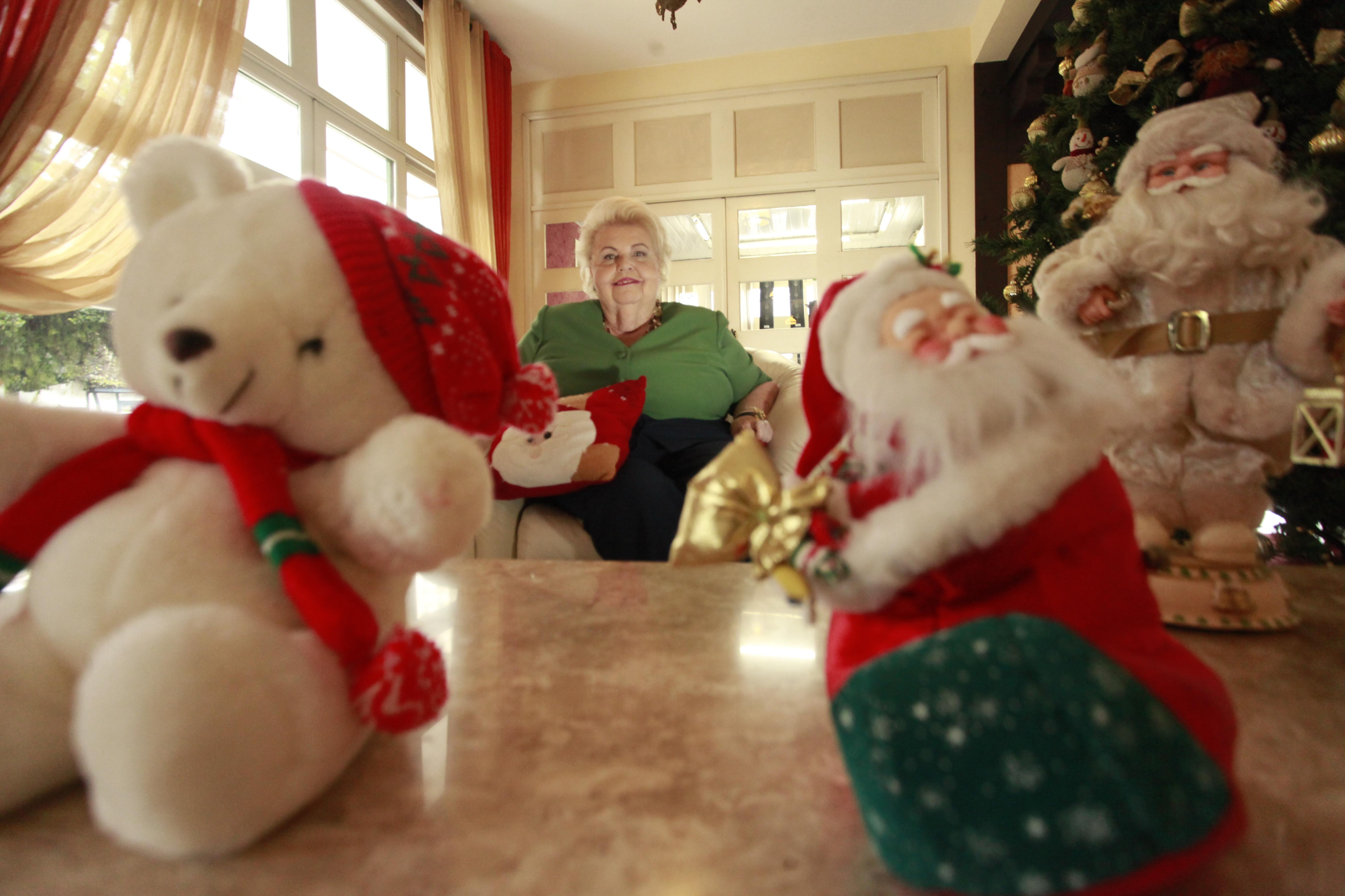 Ingrid Moeller Wetzel, 72 anos, é apaixonada pelo Natal desde que se lembra por gente - Carlos Junior/ND