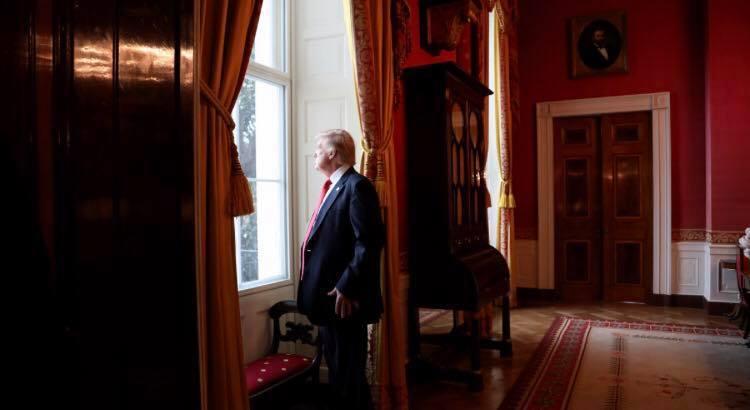 A transição de ocorre no Capitólio, o prédio do Congresso dos Estados Unidos; atual presidente é apontado por incitar a invasão, na última semana – Foto: Divulgação/Facebook/ND
