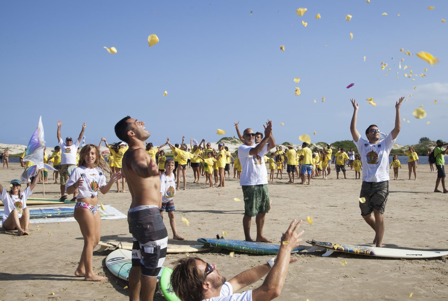 Legado de Ricardinho foi comemorado com abraço no rio da Madre - Divulgação/Plnio Bordin/ND