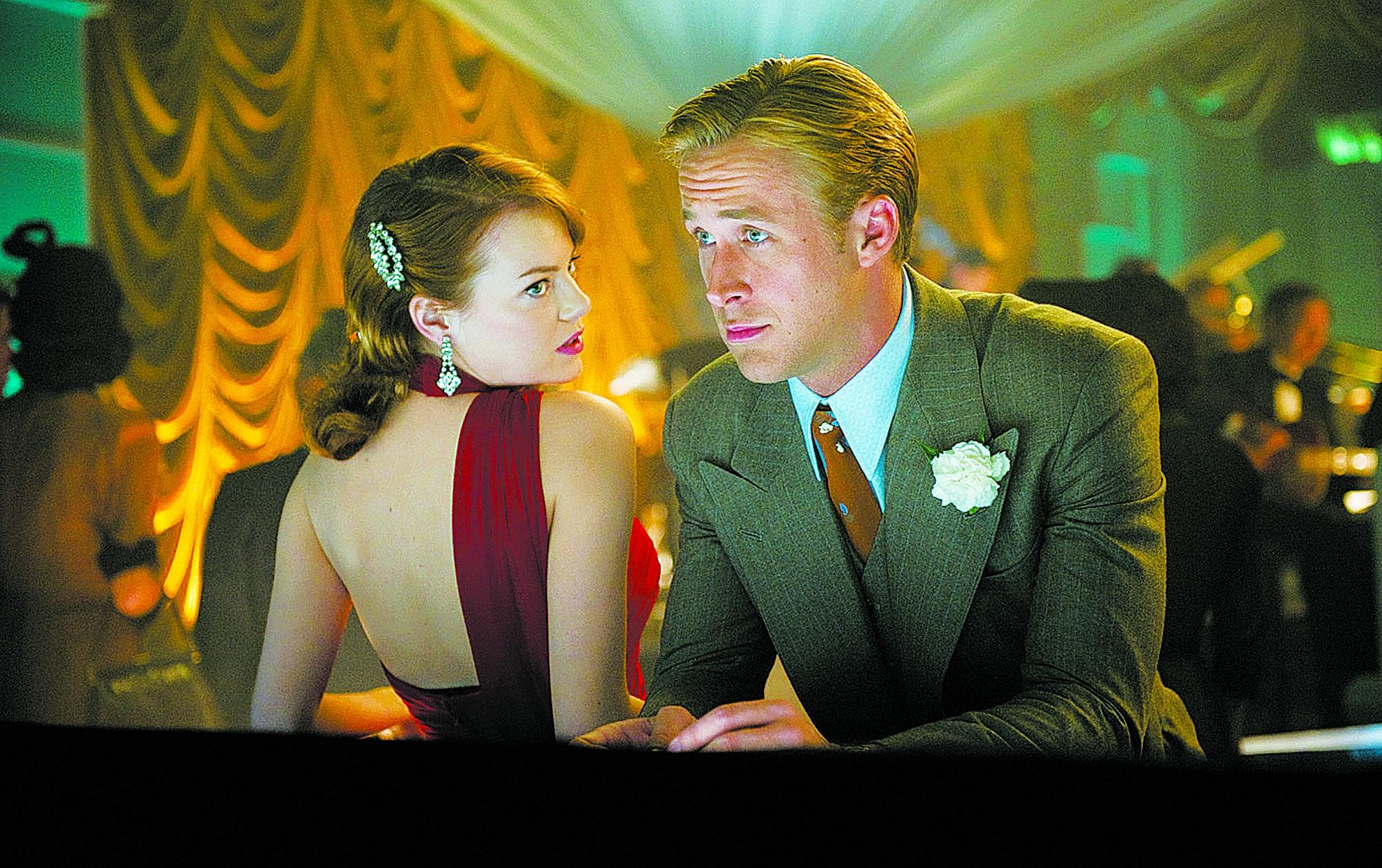 """Emma Stone e Ryan Gosling em """"La La Land""""; filme, atriz e diretor são favoritos - Divulgação/ND"""