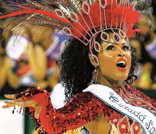 Juli Costa, cidadã-samba da escola Nação Guarani - Daniel Queiroz/ND