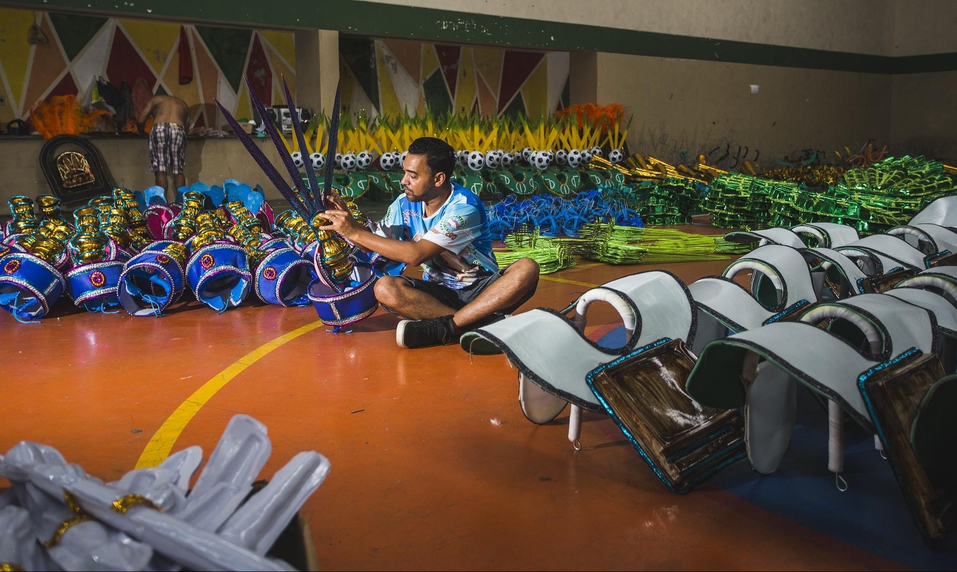 O carnavalesco Duda foi responsável pela ideia do enredo da Coloninha deste ano - Daniel Queiroz/ND