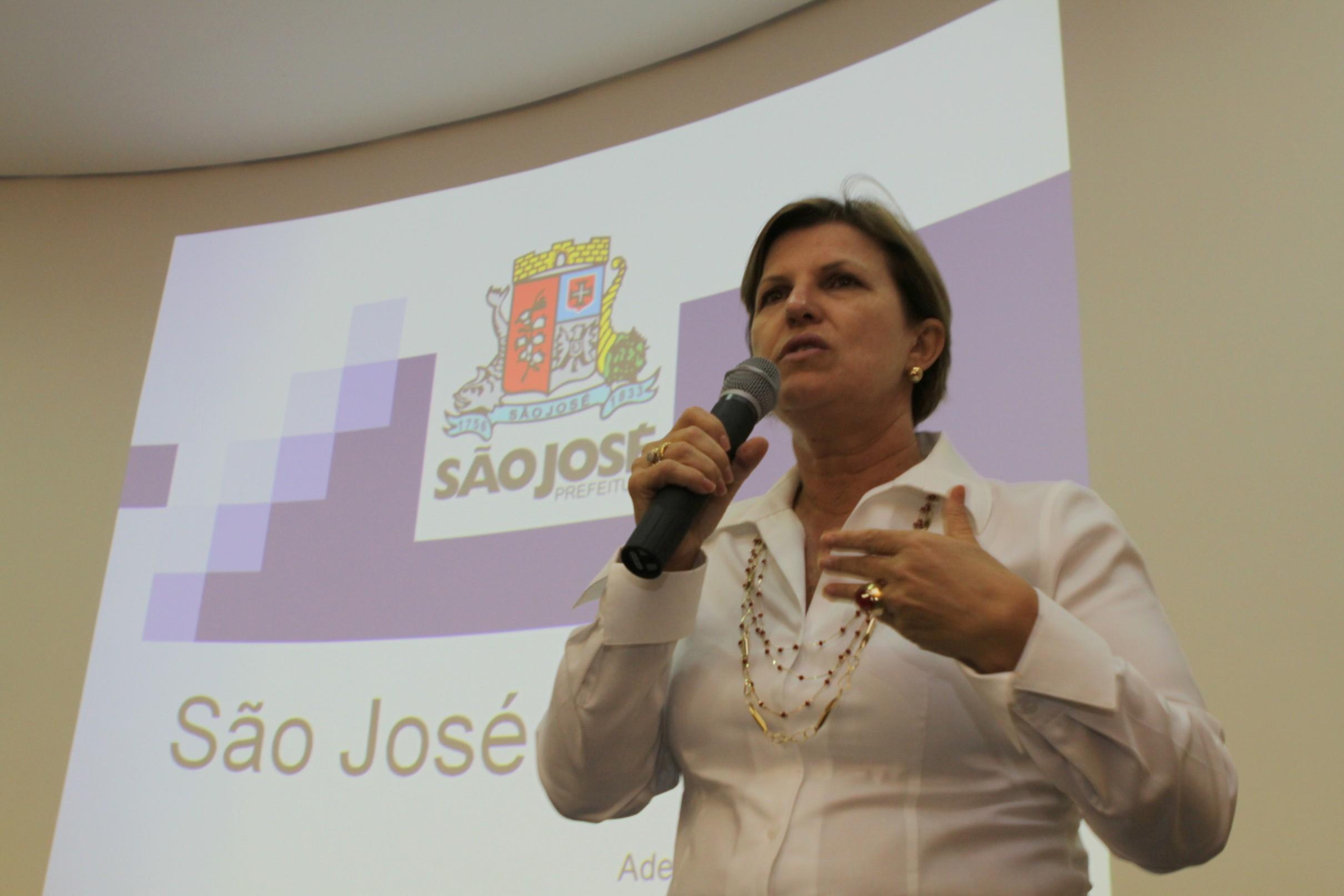 Adeliana Dal Pont, prefeita de São José – Foto: PMSJ/Divulgação