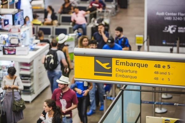 Aeroporto Internacional Hercílio Luz de Florianópolis será leiloado em março de 2017, nove meses após a previsão inicial - Daniel Queiroz/Arquivo/ND