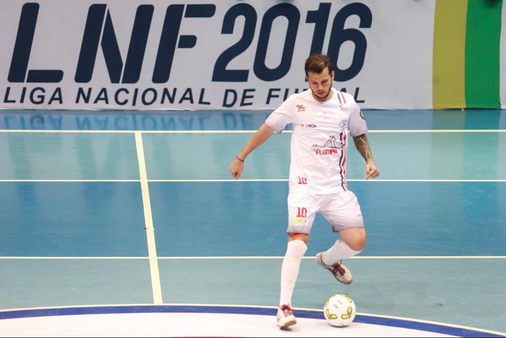 Floripa Futsal, do ala Guina, está em desvantagem na Liga Nacional - Flávio Tin/ND
