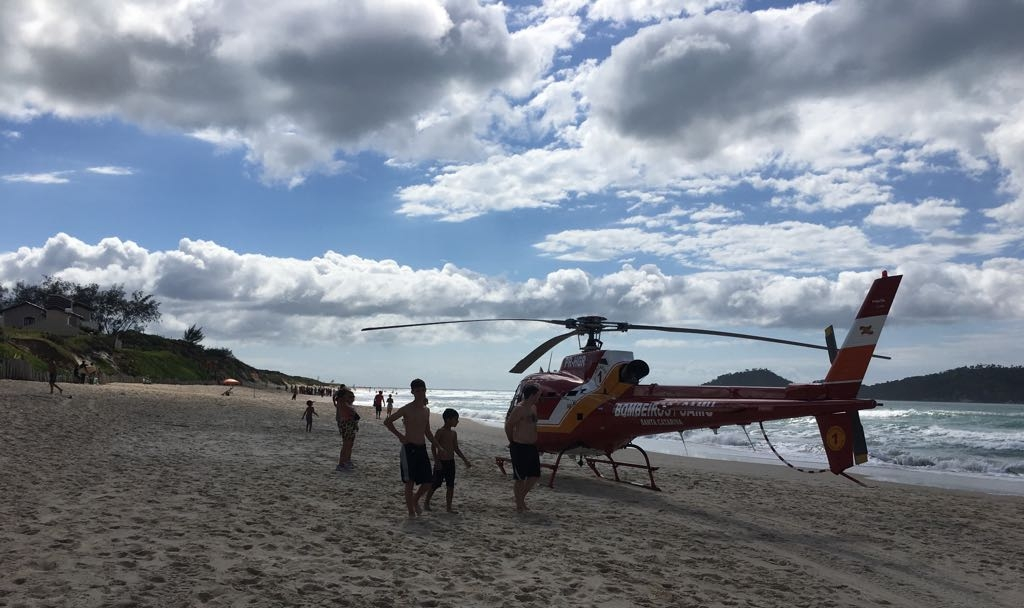 Surfista afogado foi socorrido pela equipe do Arcanjo no Campeche - Arcanjo Florianópolis/Divulgação/ND