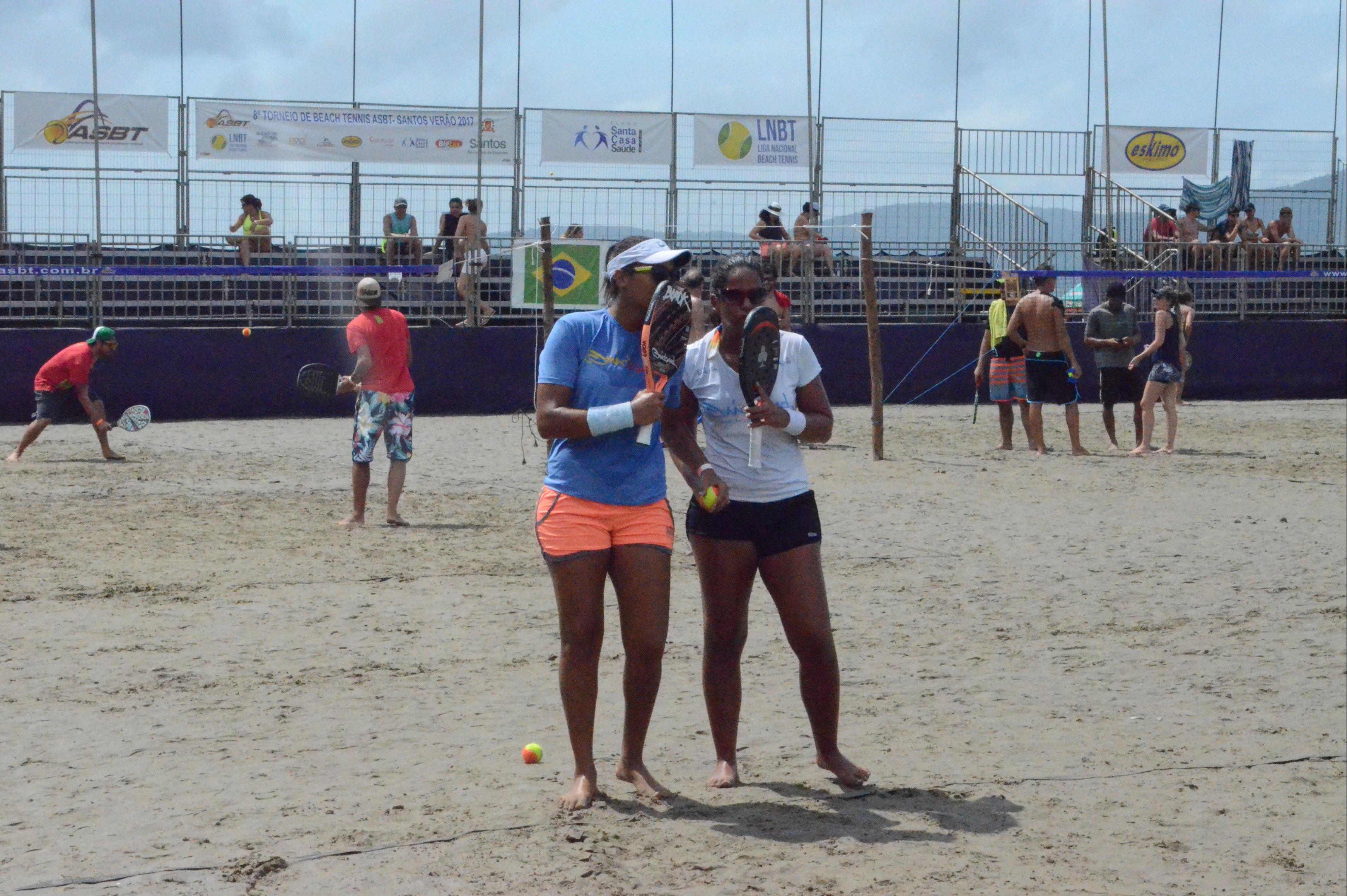 Nathália Costa (à esq.) e Luciana Fernandes conquistaram a primeira etapa em Santos - Danilo Wagner/Divulgação