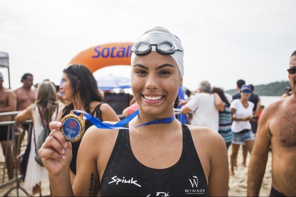 A primeira colocada na categoria feminina, Taynara Bonetti, intensificou os treinos antes da competição - Daniel Queiroz/ND