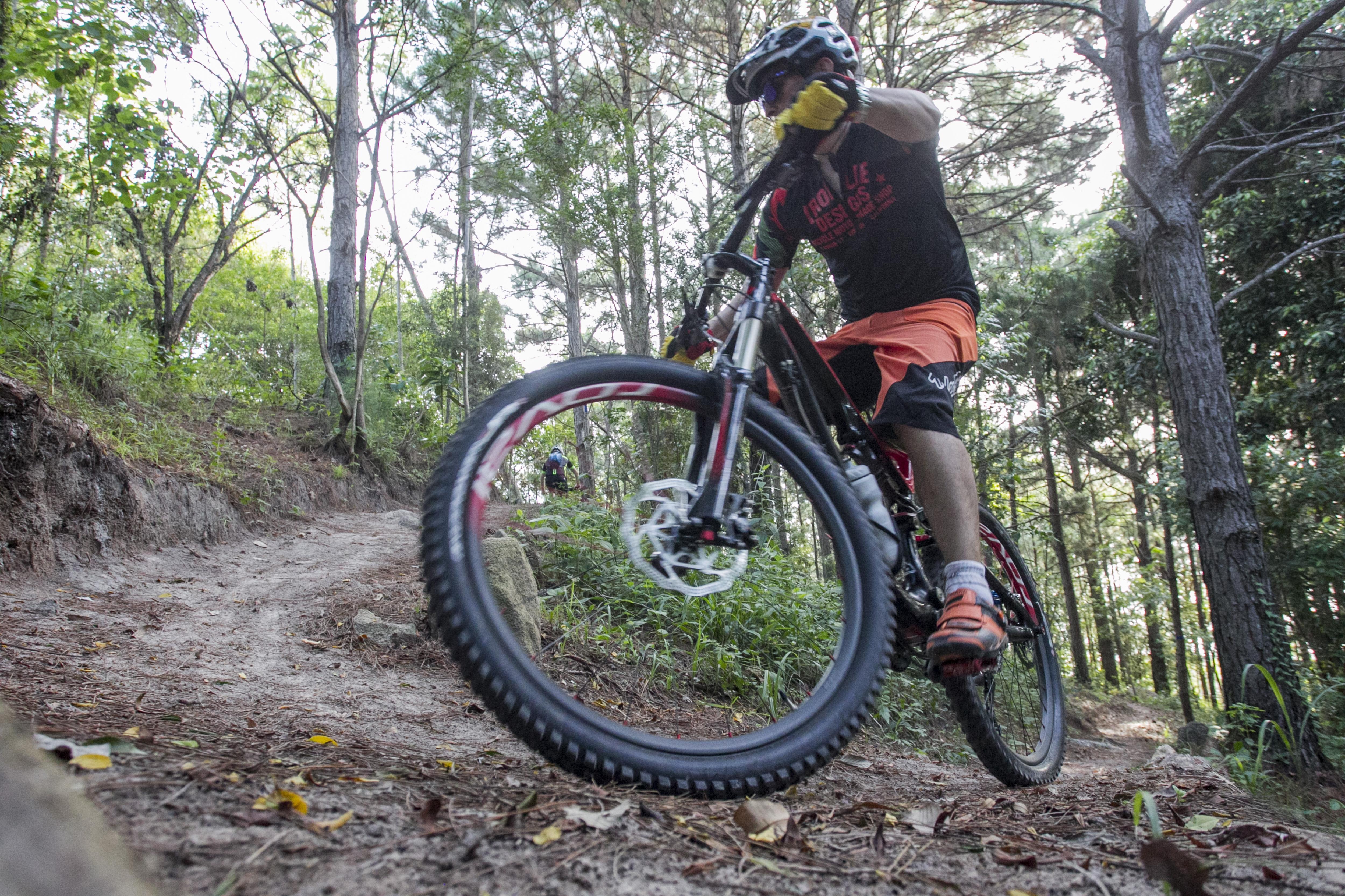A trilha do bairro João Paulo é considerada a mais acessível para ciclistas na região - Marco Santiago/ND