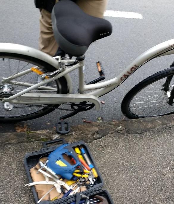 O homem confessou o roubo da bicicleta, das ferramentas e também de uma lavadora de alta pressão - Polícia Militar/Divulgação/ND