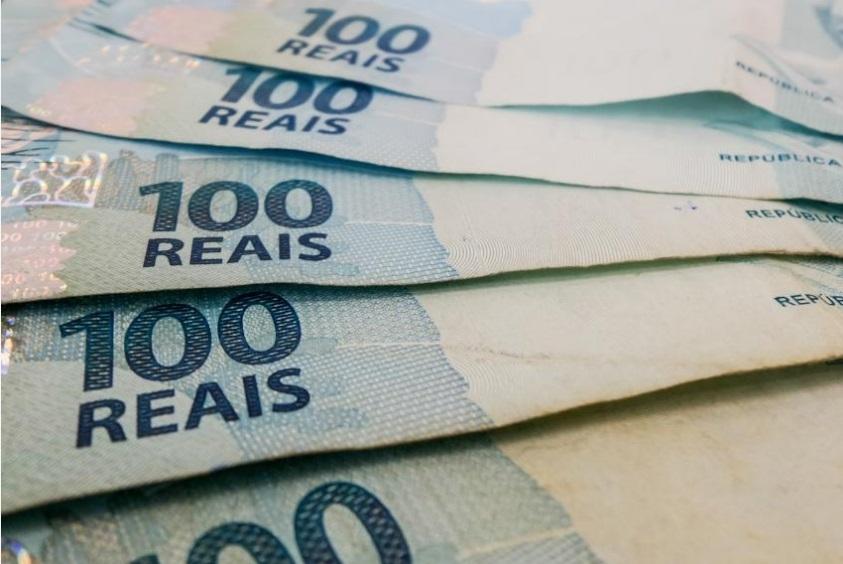 Por causa da crise e do desemprego, os brasileiros têm menos dinheiro para aplicar na caderneta - Rafael Neddermeyer/Fotos Públicas