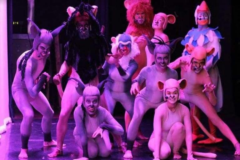 Espetáculo tem 32 atores em cena - Divulgação/ND