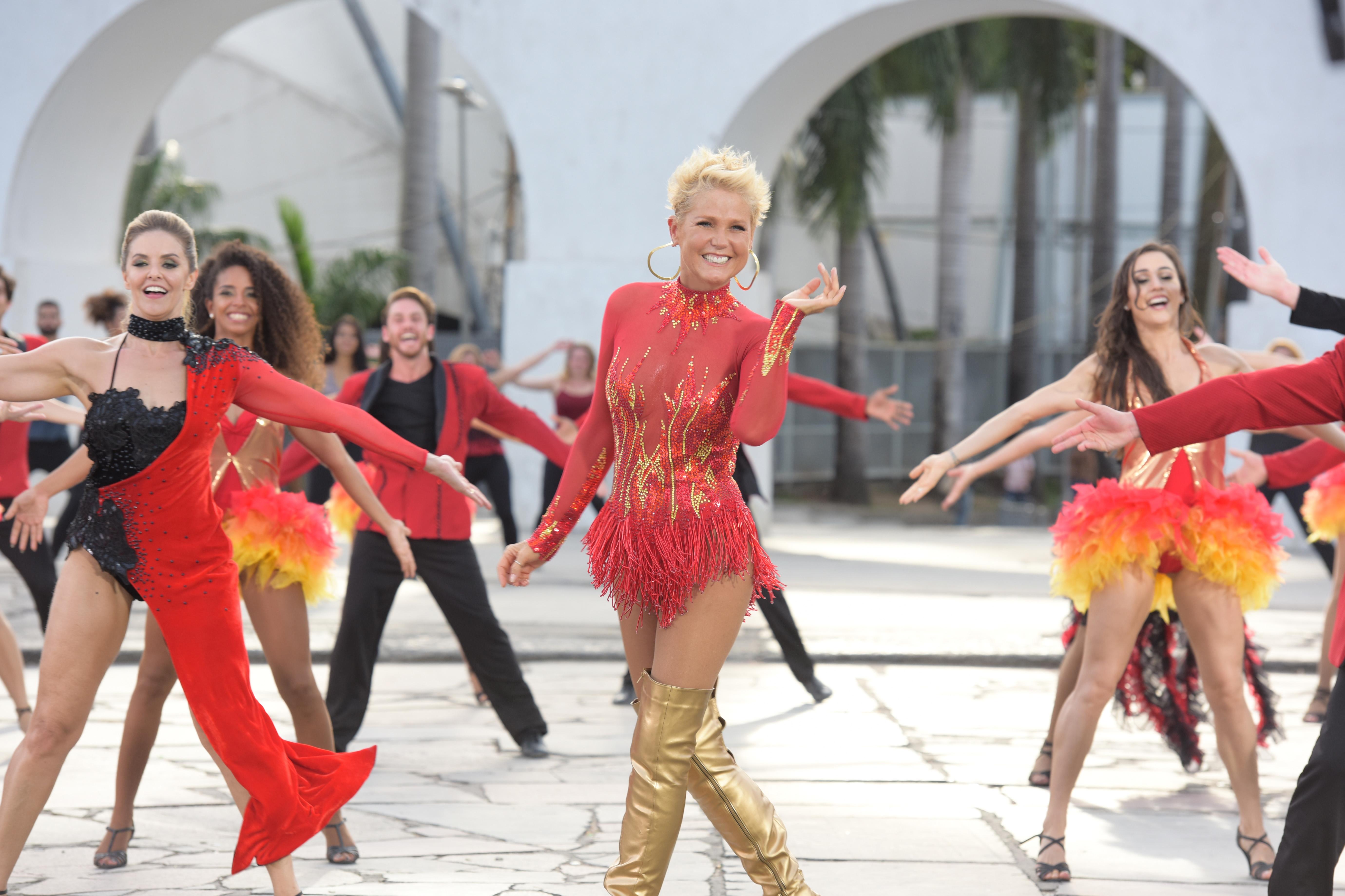 Xuxa também fará performances de dança na atração - Record Divulgação/ND