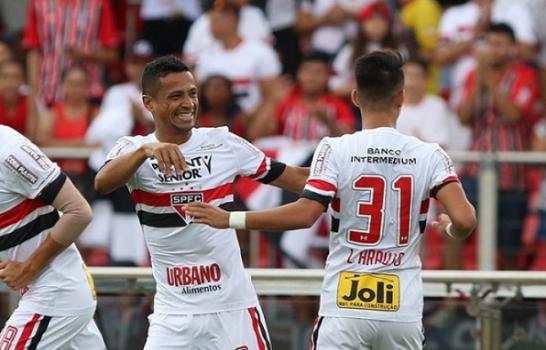 Meio-campista já fez gol em Choque-Rei - (Foto: Rubens Chiri/saopaulofc.net)