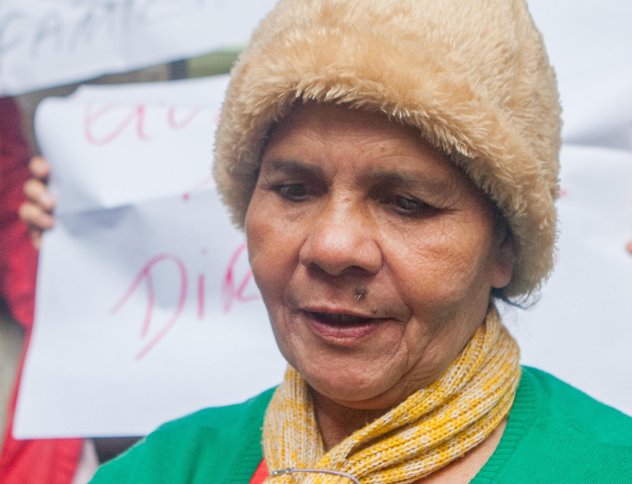 Maria Terezinha Nicácio vende alho no Centro de Florianópolis há 48 anos - Flávio Tin/ND